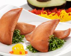 Recipes Enchiladas Potosinas with Maseca® Enchiladas Potosinas, Maseca, Gourmet Tacos, Good Food, Yummy Food, Mexican Food Recipes, Ethnic Recipes, Minced Onion, Gluten Free Dinner