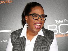 US-Präsident Donald Trump hat auf Twitter heftig gegen Oprah Winfrey ausgeteilt. Jetzt hat die Kult-Talkmasterin auf seinen Hass-Tweet reagiert. Vor Kurzem wurde US-Talkshow-Ikone Oprah Winfrey (64) Opfer von Donald Trumps (71) Twitter-Giftpfeilen. In dem sozialen Kurznachrichtendienst hatte der...