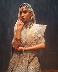 Bts from the @toniandguypk bride & groom campaign featuring the gorgeous @noor_bhatti wearing a stellar bridal by @elanofficial paired with vintage heirloom jewels by @sonica_jewellers Photography by @mhm.official Styling & Art direction by Fahad Hussayn @imaginariumhq #happeningnow #bts #toniandguypk