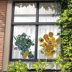 Dress up your windows with Flat Flowers -these are from OOTS Decor, House Design, Fun Decor, Remodeling Projects, My Home Design, Flower Display, Cool Walls, Home Remodeling, Window Decals