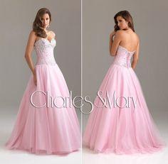 Krásne šaty Na Stužkovú Ples či Svadbu