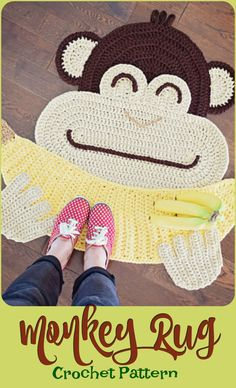 Monkey with his banana, super cute crochet rug for a nursery or a playroom. It would make a lovely new baby gift Crochet Geek, Cute Crochet, Crochet For Kids, Crochet Dolls, Crochet Baby, Knit Crochet, Knitting Projects, Crochet Projects, Crochet Designs