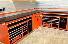 Garage shop woodworking and shop storage. Garage Organisation, Garage Tool Storage, Garage Shed, Garage Tools, Garage Workshop, Garage Plans, Cool Garages, Custom Garages, Shop Cabinets