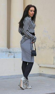 I'm thinking about white stripes (by Julia Tomaszewska) http://lookbook.nu/look/4370178-I-m-thinking-about-white-stripes