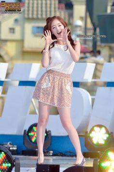 Sunhwa soo pretty ! Han Sunhwa, School 2017, Lace Skirt, Korea, Ballet Skirt, The Originals, Kpop Girls, Pretty, Skirts