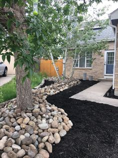 Landscaping with River Rock: Best 130 Ideas and Designs - - Landscaping with river rock can create breathtaking backyards, gardens and patios. We present some of the top river rock landscaping ideas with these 130 photos. Read More.