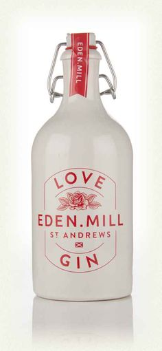 A gin from a Scottish craft brewer? Eden Mill have embraced distilling and are clearly having great fun. Bebida Gin, Alcoholic Drinks, Cocktails, Cocktail Recipes, Gin Recipes, Scottish Gin, Gin Tasting, Gin Brands, Product Design