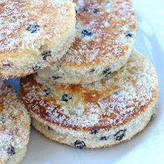 Traditional Welsh Cakes welsh cakes recipe traditional authentic currants lard wales The post Traditional Welsh Cakes appeared first on Rezepte. Welsh Cakes Recipe, Welsh Recipes, Scottish Recipes, Welsh Dessert Recipes, Welsh Desserts, English Recipes, British Recipes, Dutch Recipes, Turkish Recipes