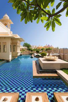 Najlepsze i najciekawsze hotele na świecie.  http://luxlife.pl/najlepsze-najciekawsze-hotele-swiecie/