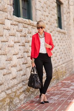 blazer (Gap, love THIS & THIS), blouse (Loft), pants (J.Crew, Leather Version), shoes (Zara, love THESE), bag (Michael Kors), necklaces (vintage, InPink), watch (Michael Kors), ring (Anna Beck), bracelets (J.Crew), shades (Gucci) I wore this look to work the other day and I have to say, it is …