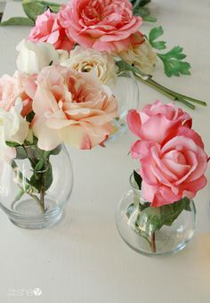 """Wedding Flower Arrangements Create """"Real-like"""" Silk Flower Arrangements with Clear Vases and Faux """"Water"""" Artificial Flower Arrangements, Vase Arrangements, Wedding Flower Arrangements, Artificial Flowers, Simple Flowers, Amazing Flowers, Cut Flowers, Arte Country, Clear Vases"""