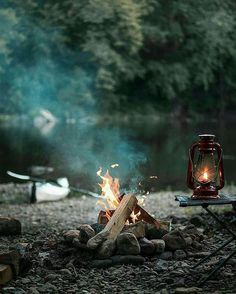 Would you like to go camping? If you would, you may be interested in turning your next camping adventure into a camping vacation. Camping vacations are fun Bushcraft Camping, Camping Lights, Camping Survival, Camping And Hiking, Camping Life, Camping Gear, Camping Hacks, Survival Gear, Outdoor Survival