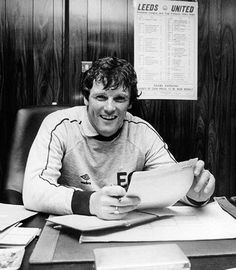 Leeds Utd manager Eddie Gray in Leeds United, The Unit, Football, Peacocks, Gray, Retro, 1980s, Boss, Fictional Characters