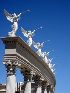 Angel sculptures on top of Corinthian columns. Beautiful.