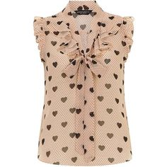 Blush heart ruffle front top - Summer in the City - Clothing See this and similar Dorothy Perkins blouses - Blush and black spot and heart print ruffle front pussybow blouse. I love the femininity of this blouse Todd Perkins. I could see it paired with a Blouse Styles, Blouse Designs, Dress Patterns, Sewing Patterns, Heart Print, Work Attire, Mode Style, Cute Tops, Printed Shirts