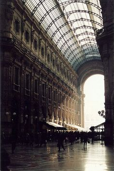 Galleria Vittorio Emanuele II it is outstanding, I totally fell in love with Milan last october, so wanna visit it again!