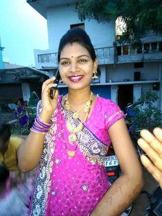 Close Friends, Indian Beauty Saree, Girl Body, India Beauty, Housewife, Woman Face, Faces, Beautiful Women, Sari