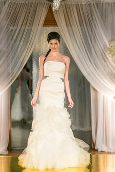 #VeraWang #Kathleen #wedding #bridal #romantic #silk #ivory #nearlynewlywed
