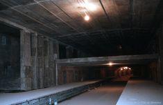 Construction de la station de métro Crémazie. 1965. VM94-M…   Flickr Montreal Ville, Construction, Home, Building, Ad Home, Homes, Haus, Houses