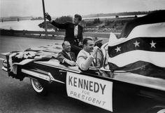 Old photo of J.F Kennedy riding down Riverside Drive in Memphis. Riverside Drive, John Fitzgerald, Memphis Tennessee, John Kennedy, American Spirit, American Presidents, Blues Rock, Graceland, Jfk