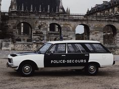 Police Patrol, Police Cars, Police Vehicles, Pick Up, Peugeot 504, Peugeot France, Automobile, Car Badges, Police Uniforms