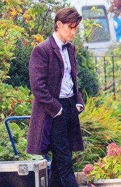 I dress like Willy Wonka now....Wonka is cool. (Wonka really is cool, but I never thought I would miss the old-man coat). I suppose he is no longer Amy's Raggedy Man though. Tears : (