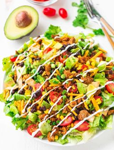 Skinny Taco Salad with Ground Turkey and Avocado-sub out the tur Dünner Taco-Salat mit gemahlenem Truthahn und Avocado-Sub aus dem Truthahn Healthy Tacos, Healthy Salads, Healthy Eating, Healthy Lunches, Healthy Dinners, Healthy Food, Dinner Healthy, Healthy Chicken, Keto Dinner