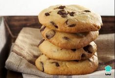 We wanted to add a sweet touch to our traditional homemade butter cookies and this time we bring you Chocolate Butter Cookie Recipe, Chocolate Chip Cookies, Butter Cookies Recipe, Healthy Snacks For Kids, Healthy Dessert Recipes, Cookie Recipes, Desserts, Edamame, Chocolate Videos