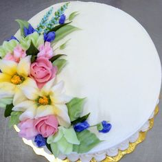 Buttercream Spring flowers cake