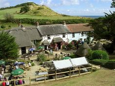The Smugglers Inn, Osmington Mills, five miles north-east of Weymouth, Dorset, England. Camping Places, Places To Travel, Places To Visit, British Country, British Pub, Walking Holiday, Walking Tour, Uk Campsites, England Uk