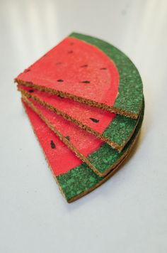 DIY watermelon slice coasters, perfect for summer table setting Watermelon Painting, Watermelon Crafts, Watermelon Slices, Crafts To Make, Crafts For Kids, Arts And Crafts, Diy Crafts, Fruit Party, Diy Coasters