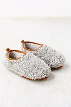 Don't these look like heaven for your feet??? Cloud Slippers
