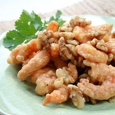 Honey Walnut Shrimp... a classic Chinese dish of crispy battered shrimp tossed in a creamy sauce and topped with candied walnuts.