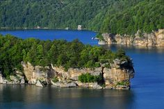 West Virginia's largest lake offers fishing, boating and a public beach area among 2,700 acres of water and 60 miles of shoreline.