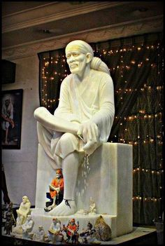 Sai Baba Sai Baba Pictures, God Pictures, Sculpture Art, Sculptures, Sathya Sai Baba, Om Sai Ram, Plastic Art, Indian Gods, Gods And Goddesses