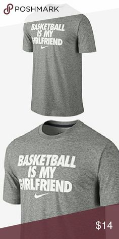 8347aca057c1 Nwt men s Nike t-shirt This is a new men s Nike t-shirt in