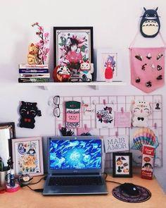 Image may contain: screen and indoor Cute Room Decor, Ideas Decorar Habitacion, Girl Bedroom Designs, Geek Bedroom, Kawaii Bedroom, Gaming Room Setup, Gamer Room, College Room, Gameroom Ideas