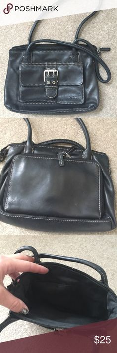 Black Mini Fossil Bag Zipper closure. Outside compartments. 10 inches wide by 6 inches tall Fossil Bags