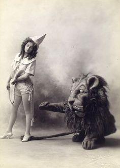Lion Tamer (>‿◠)