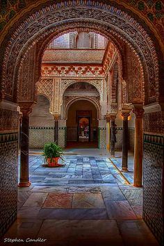 Moorish arches in the Alcazar, Seville, Spain. This was one of the most amazing places in Sevilla - love Islamic Architecture, Amazing Architecture, Art And Architecture, Places To Travel, Places To Visit, Madrid, Spain And Portugal, Murcia, Spain Travel