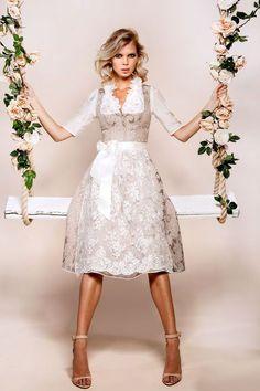 Kinga mathe beautiful vintage german dress for a causal wear on sale. German costume or even halloween costume. Meme Costume, Cute Dress Outfits, Cute Dresses, Flower Girl Dresses, Drindl Dress, The Dress, Costume Halloween, Corsage, German Costume