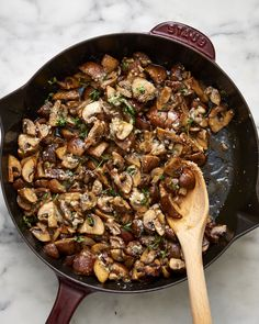 15 Minute Parmesan Thyme Mushrooms - 10 Absolutely Delicious Ways to Cook with Mushrooms — Recipes from The Kitchn Best Mushroom Recipe, Mushroom Recipes, Vegetable Recipes, Butter Mushroom, Mushroom Meals, Garlic Mushrooms, Stuffed Mushrooms, Stuffed Peppers, Balsamic Mushrooms