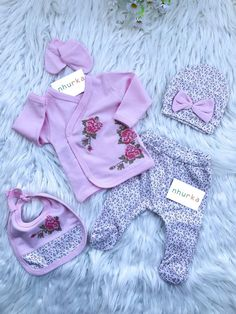Newborn Baby Hospital, Baby Hospital Outfit, Baby Outfits Newborn, Baby Girl Newborn, Cute Baby Girl Outfits, Kids Outfits, Baby Kiss, Baby Cereal, Baby Overalls