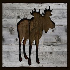 Moose full figure silhouette pallet art. X-Large - $400 Large - $350 Medium - $300 Small - $275 See Price List for dimensions and ordering information.
