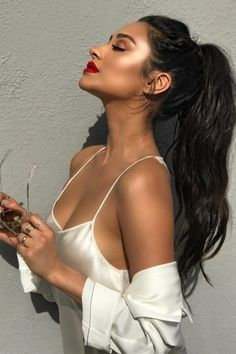 Shay mitchell knows how to rock the casual pony, while showing off her makeup glam.