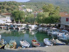 Le port de Skala Sikaminia, à Lesbos, en Grèce.