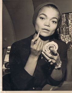 Eartha was definitely not a closet bitch.she spoke her mind and kept it real. An inspiration to those who not only people please but to women and men period. She is pure truth and soul. What a beautiful Black woman. My Black Is Beautiful, Beautiful People, Beautiful Women, Beautiful Eyes, Vintage Black Glamour, Vintage Beauty, Vintage Romance, Vintage Vibes, Vintage Style
