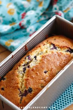 This recipe is modified from Joanna Gaines blueberry bread recipe. This is a very easy quick bread recipe to make that require no bread machine. Blueberry Cream Pies, Blueberry Bread Recipe, Blueberry Recipes, Bread Maker Recipes, Quick Bread Recipes, Baking Recipes, Cheesecake Recipes, Dessert Recipes, Dessert Bread