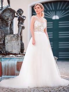 Wedding Dresses, Tops, Fashion, Ball Gown, Dress Wedding, Wedding Dress, Curve Dresses, Bride Dresses, Moda