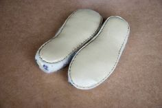 2-layered sole is made completely by hand of por BureBureSlippers